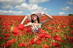 Emma (henrychristo27 (Christophe)) Tags: emma portraiture coquelicot fleur rouge feminine women