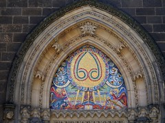 "Prag, Unbeachtetes Tympanom ""Eva"" / Prague, Unnoticed tympanum ""Eve"" (rudi_valtiner) Tags: prag prague praha vysehrad tschechien czechrepublic peterpaulbasilika peterpaulbasilica kirche church portal tympanom tympanum tympana adam eva eve symbole symbols kunst art mosaik mosaique odbohapřišlo slyšteslovo schlange snake neugotik neogothic religion religious"