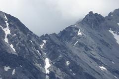 Die Payer Hütte (3.029 m) steht in den Ortler-Alpen auf dem Tabarettakamm. (Süßwassermatrose) Tags: 2018 stilfs stelvio südtirol italien trafoi trafoital trentinoaltoadige nationalpark natur nationalparkstilfserjoch parconazionaledellostelvio himmel berg abhang gomagoi wanderung landschaft berge alp wolken sommer hiking landscape mountains felsen juliuspayerhütte rifugiojuliuspayer payerhütte
