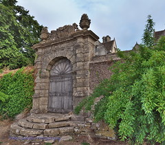 The Gate at Cold Ashton Manor (Peter Goodair) Tags: cotswoldway cotswolds architecture elizabethan