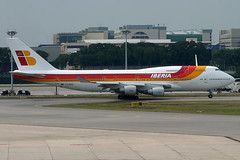 9V-SMC, Singapore Changi, June 25th 2004 (Southsea_Matt) Tags: 9vsmc tfama boeing 747412 iberia oneworld wsss sin changi singapore june 2004 summer canon 10d 100400mm airplane airport aviation aircraft plane