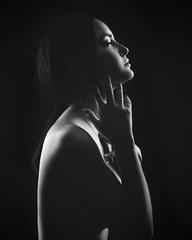 Nora (aminefassi) Tags: lowkey bbg portrait studio flash people beauty mode fashion