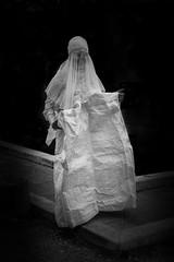is it a ghost ? (jemazzia) Tags: fantôme fantasma geist geest exterieur fora exterior buiten outside auberhalb aldifuori noiretblanc blackandwhite biancoenero enblancoynegro zwartenwit pretoebranco schwarzundweib costume kostüm suit traje kostuum