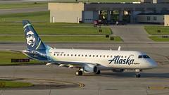 SkyWest Airlines Embraer ERJ-175LR (ERJ-170-200 LR) N186SY (MIDEXJET (Thank you for over 2 million views!)) Tags: milwaukee milwaukeewisconsin generalmitchellinternationalairport milwaukeemitchellinternationalairport kmke mke gmia flymke skywestairlinesembraererj175lrerj170200lrn186sy skywestairlines embraererj175lr embraererj170200lr n186sy embraer erj175lr alaskaairlines wisconsin unitedstatesofamerica iflyalaska