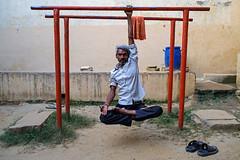 Gym Yoga - Varanasi, India (Maciej Dakowicz) Tags: fujifilmxseries fujifilmxt2 streetphotography india varanasi people gym akhara yoga fitness exercise