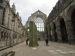 Ruins of Holyrood Abbey, Edinburgh (Elisa1880) Tags: edinburgh scotland schotland holyrood abbey ruins church kerk ruines 12th 13th century 12de 13de eeuw middeleeuwen medieval times middle ages building gebouw old oud