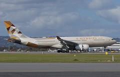 A6-EYH Etihad Airways Airbus A330-243 (johnedmond) Tags: perth ypph westernaustralia etihad airbus a330 australia aviation aircraft aeroplane airplane airliner plane sel55210 55210mm ilce3500 sony