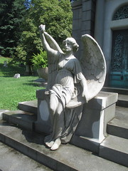 Arm Up Seated Angel Green-Wood Cemetery 7248 (Brechtbug) Tags: arm up seated angel greenwood cemetery wings and missing hand stone coffin looking away brooklyn nyc 2018 new york city 08122018 statue tomb marker sculpture tombstone graveyard grave yard serenity lady turning grief grieving mourning mourner mourn