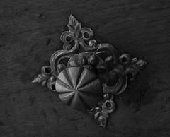 Türknauf (Klaus R. aus O.) Tags: türknauf knauf holz tür metalknauf geschmiedet alt zierbeschlag beschlag kunst turquoise poky wood door metal knob forged old decorative fitting fogged over art