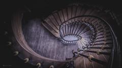 wooden snail (Blacklight Fotografie) Tags: treppenhaus treppe treppen staircase stairwell stairs holz wood geländer schlos hdr