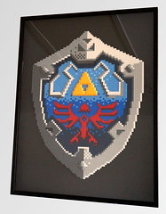 hylia shield - framed (Sylon-tw) Tags: sylon legend zelda thelegendofzelda link hyrule triforce mosaik lego moc ocarina time game nintendo shield sylontw schild wappen light very gray hylia botw framed bilderrahmen