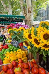 Aix-en-Provence - Place Richelme (bautisterias) Tags: provence provenza aix aixenprovence france francia summer flowers fleurs fiori vangogh cézanne provençal southoffrance midi fontaines lavender lavande プロヴァンス 花