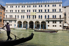 Fondaco dei Tedeschi (ORIONSM) Tags: gondola venice italy grand canal boat fondacodeitedeschi holiday vacation water sony rx100mk3