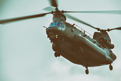 CH-47 Chinook (PINNACLE PHOTO) Tags: helicopter chinook boing flying inflight surrey edit twinrotor slowshutter canon martinbillard