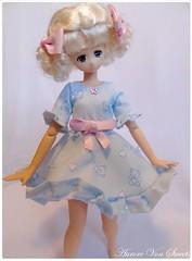 Petite robe bleue à ruban rose (AuroreVonSweetsDolls) Tags: dress clothes dollclothes dollclothing handmade pure neemo azone animedoll