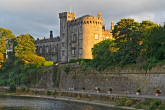 KILKENNY CASTLE AT SUNSET [AUGUST 2018]-142892 (infomatique) Tags: kilkennycastle rivernore sunset sony a7riii august 2018 normancastle historic streetsofireland infomatique fotonique ireland williammurphy