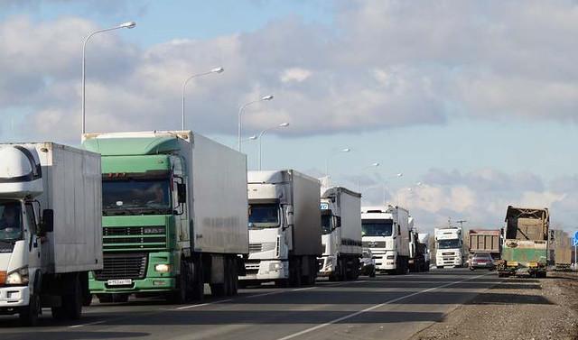 Большегрузы опять едут свободно поМ-5 через Тольятти