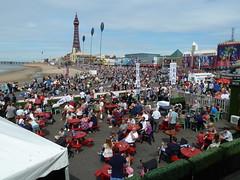 20180811 Blackpool Airshow Pub (blackpoolbeach) Tags: blackpool promenade crowd airshow breeze pub alcohol sunshine tower dunegrass air display