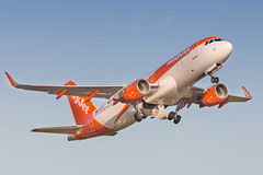 EasyJet A320 (Aircraft Photographies) Tags: airport orly ory easyjet fwi martinique