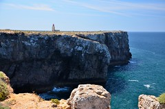Cape Sagres lighthouse (tonyfernandezz) Tags: portugal cliff ocean coast lighthouse algarve