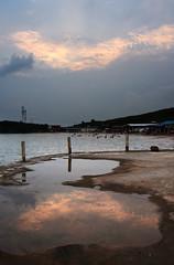 Dusk (MelindaChan ^..^) Tags: guangxi china 廣西 防城港 rock water sea chanmelmel mel tide splash wave lady melinda melindachan 怪石灘