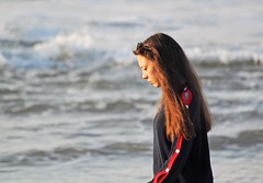 Winter portrait (carlos_ar2000) Tags: retrato portrait perfil profile mar sea playa beach dof chica girl mujer woman bella beauty sexy calle street linda pretty gorgeous puntadeldiablo rocha uruguay