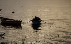 sim... eu amo barcos! (Ruby Ferreira ®) Tags: barcos boats pescador fisherman bay baía sunset pôrdosol silhuetas silhouettes