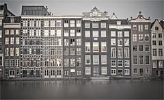DMRK (bert • bakker) Tags: damrak amsterdam noordholland nederland thenetherlands houses huizen architectuur architecture water 17thcentury 17deeeuw nikon50mm18g