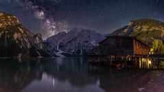 Klarer Sternenhimmel über dem See (19MilkyWay89) Tags: pragser wildsee night milky way milchstrase himmel nightsky lake lago di braies sky sterne klar