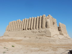 Major Kyz-Kala with its pleated walls (Beth M527) Tags: 2018 turkmenistan centralasia thefivestans unesco worldheritagesites mary ruins ancientmerv antiquities fortsfortresses silkroad