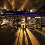 Evening sunlight and shadows: Wien Hauptbahnhof / Vienna Main Station thumbnail