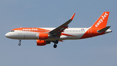 IMG_6737 OE-IZH (biggles7474) Tags: egkk lgw london gatwick airport oeizh airbus a320 a320214 easyjet europe