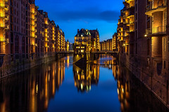 Speicherstadt @ Hamburg @ Germany 2018 (zilverbat.) Tags: duitsland zilverbat citytrip speicherstadt hamburg bild bluehour nightphotography nightlights nightshot image innercity reflections reflection longexposure visit longexposurebynight tripadvisor travel wallpaper world water urbanvibes urban blue avond haven hotspot harbor night architecture availablelight avondfotografie germany german deutschland de trip tourism tour city canon warehouse warehouses bricks brick landmark icoon icon classic waterfront pin box ngc unesco cityscape worldheritage hafen canal canals pakhuizen poggenpohlbrücke holländischerbrook wassershloss brucke