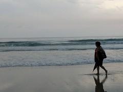 Playa de las Catedrales (Lugo) (jesusmgallardo) Tags: naturaleza paisajes playa mujer soledad metáfora