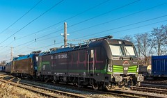 01_2018_03_14_Wanne_Eickel_Üwf_6193_274_ELOC_ES_64_U2_-_011_6182_511_DISPO (ruhrpott.sprinter) Tags: ruhrpott sprinter deutschland germany allmangne nrw ruhrgebiet gelsenkirchen lokomotive locomotives eisenbahn railroad rail zug train reisezug passenger güter cargo freight fret herne wanne eickel wanneeickel üwf eloc txla vectron siemens 6182 6185 6193 es 64 u2 es64u2 mrcedispo mrcedispolok mrce dispo stellwerk stellwerküwf txl txlogistik outdoor logo natur werbung