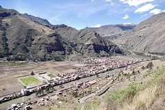 Pisac Sacred Valley valle Sagrado Cuzco Peru (roli_b) Tags: pisac pisaq market mercado panorama city ciudad pueblo dorf inca ruins ruinen inka hügel hills mountains panoramic view vista river urubamba 2018 travel viajar turismo tourism