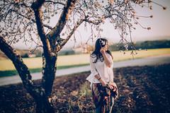 Marta H ®BoniGonzález-57 (boni_villasirga) Tags: portrait retrato chica girl woman mujer modelo model rubia blonde pelo hair fotógrafo photographer madrid moda fashion outfit árbol hierba ritratto porträt retro vintage