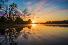 Comme un feu d'artifice (photosenvrac) Tags: couleur eau leverdesoleil loire miroir nature paysage