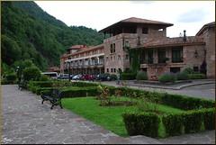 Museo en Covadonga (Asturias, España, 29-6-2011) (Juanje Orío) Tags: asturias covadonga 2011 museo museum jardín garden provinciadeasturias españa espagne espanha espanya spain