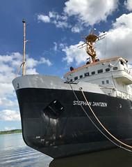 Eisbrecher (Niwi1) Tags: anker icebreaker balticsea ship schiff germany ostsee outdoor