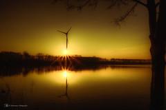 Energiequelle / energy source (Blacklight Fotografie) Tags: sonne licht abend abendstimmung lichtstimmung spiegelung wasser energy water reflection light mood sun sundown