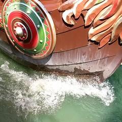 Vikings (Mike Bonitz) Tags: deutschland germany bayern bavaria bayrischerwald loifling churpfalzpark freizeitpark amusementpark karussel carusel boot boat wasser water instagram video googlepixel