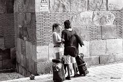 Tourism (rossendgricasas) Tags: barcelona turisma tourism catalonia cat bn bw monochrome people photo photography nikon tamron street