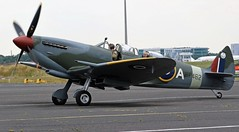 PT462  SUPERMARINE SPITFIRE TAXIING NEWCASTLE AIRPORT (toowoomba surfer) Tags: warbird aviation aircraft raf wwii fighter aeroplane ncl egnt