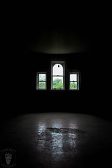 IMG_4393 (BearBear Photography) Tags: fergusfallsregionaltreatmentcenter fergusfallsstatehospital fergusfalls asylum hospital lightanddark moody dark decay windows creepy