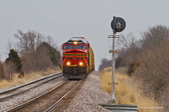 Waiting on a Meet (tim_1522) Tags: railroad railfanning rail missouri mo searchlight signals norfolksouthern ns stlouisdistrict heritage 8114 generalelectric gevo c409w es44ac autoracks