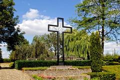 Begraafplaats / Thorn (rob4xs) Tags: thorn wittestadje begraafplaats kerkhof cemetery friedhof kruis cross kreuz crucifix nederland thenetherlands holland niederlande