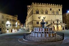 Piazza IV Novembre, Perugia (gerhard-pr) Tags: italien perugia brunnen