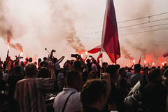 Warsaw Uprising, One Minute of Silence (ewitsoe) Tags: canoneos6dii ewitsoe polska street uprising warszawa erikwitsoe ewi poland urban warsaw memorial remember city canon smoke war 60seconds flag flare polski