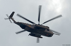 Chel Ha'avir Sikorsky CH-53E Sea Stallion/Yasur '042' overflying Israeli coastline (Mosh70) Tags: israel israelairforce chelhaavir sikorsky sikorskych53eseastallion seastallion yasur sikorskych53eyasur